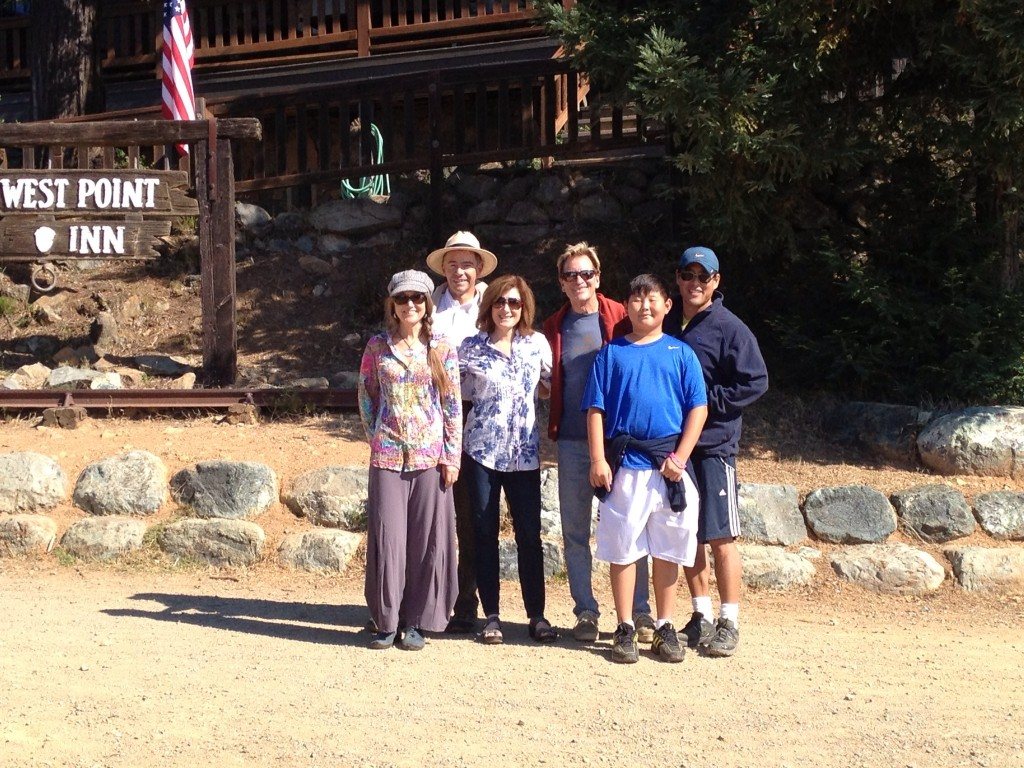 The group photo before the hike - Jessie & Laurent Boucher, Gail Dolton, Doug McConnell, Connor and Bob Salk