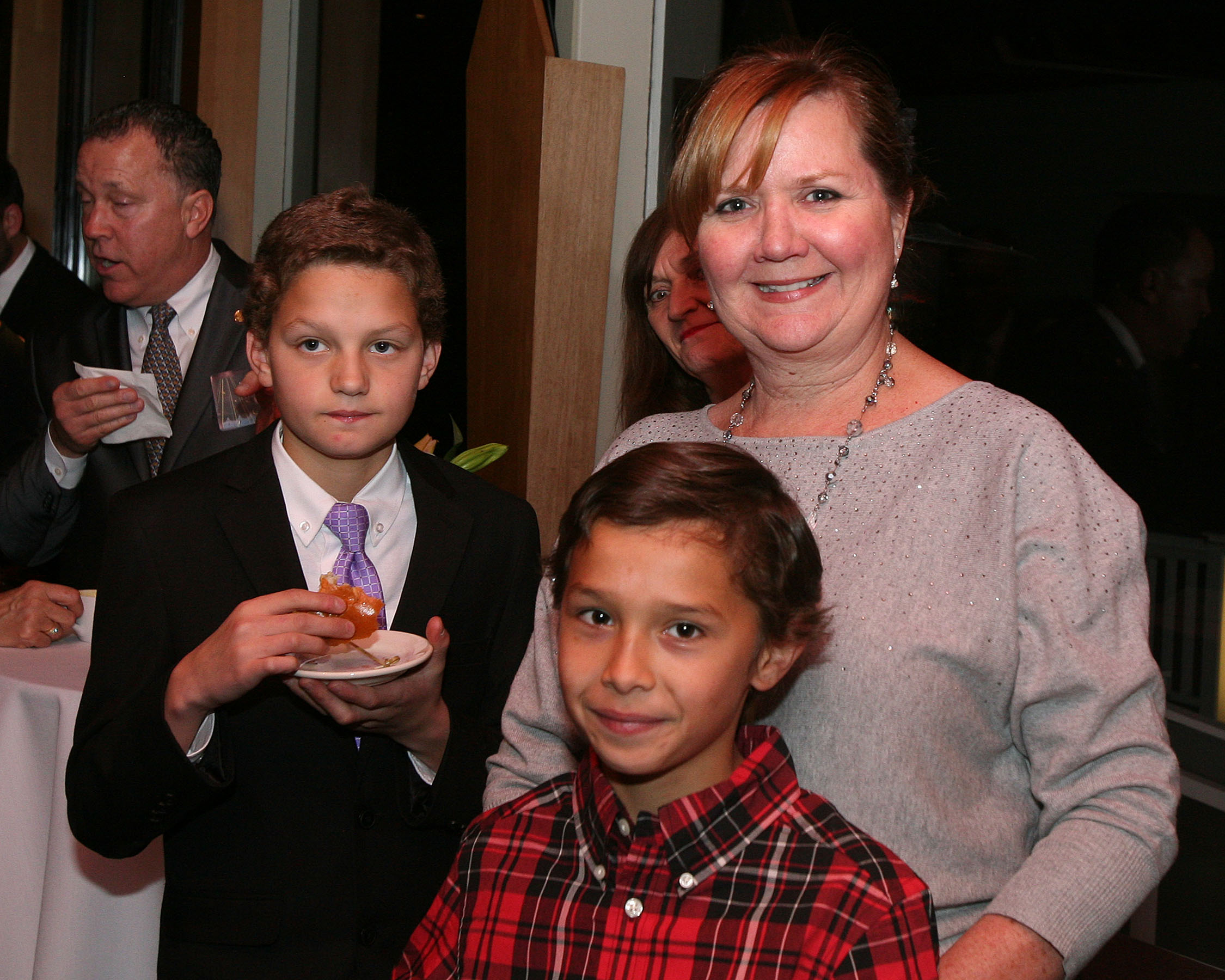 Volunteer Kim Schory and sons Connor & Ian